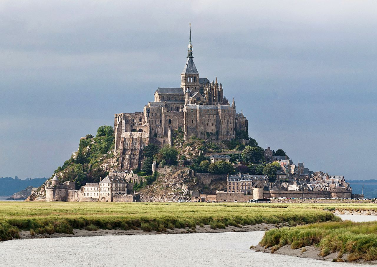 1280px-Mont_St_Michel_3,_Brittany,_France_-_July_2011