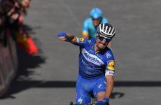 Alaphilippe víťazí na Strade Bianche 2019.
