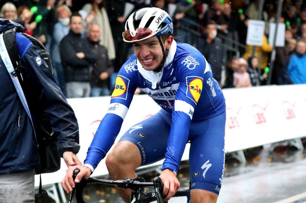 Giro d'Italia 2020 cyklámenový dres Álvaro Hodeg