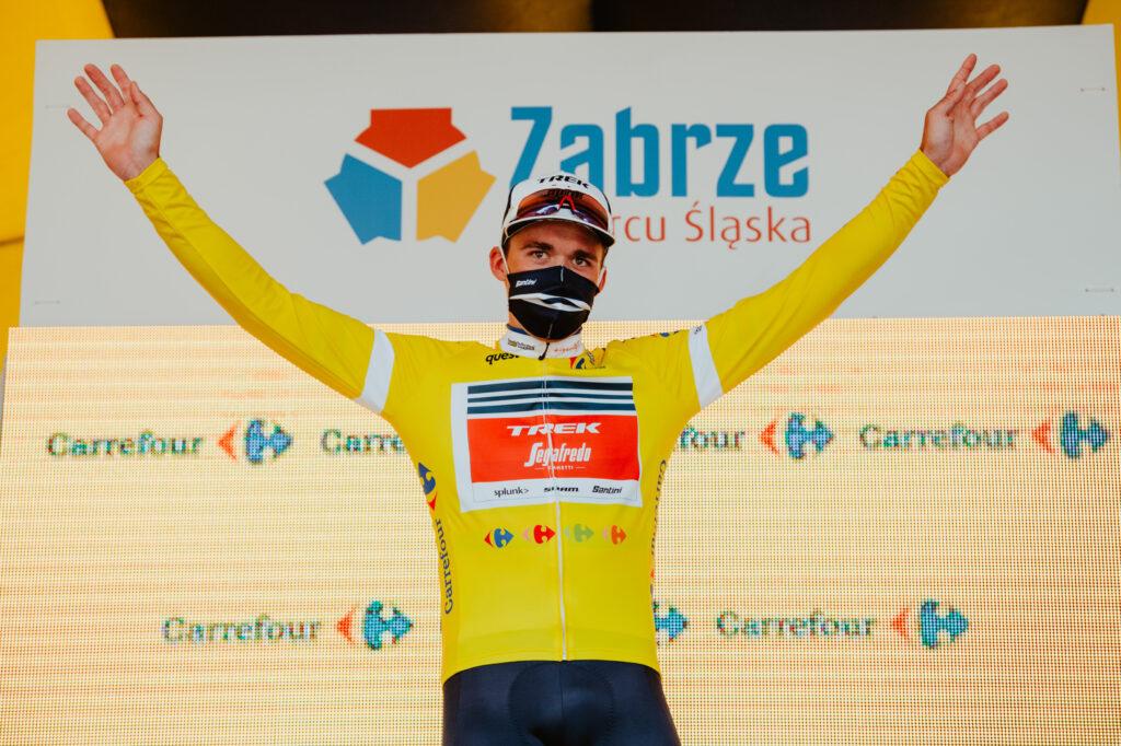 Mads Pedersen v žltom drese na Okolo Poľska 2020
