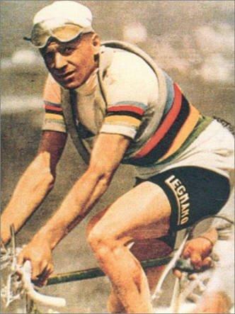Alfredo Binda dúhový dres