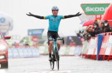 Ion Izagirre 6. etapa Vuelta a Espaňa, vedie Carapaz