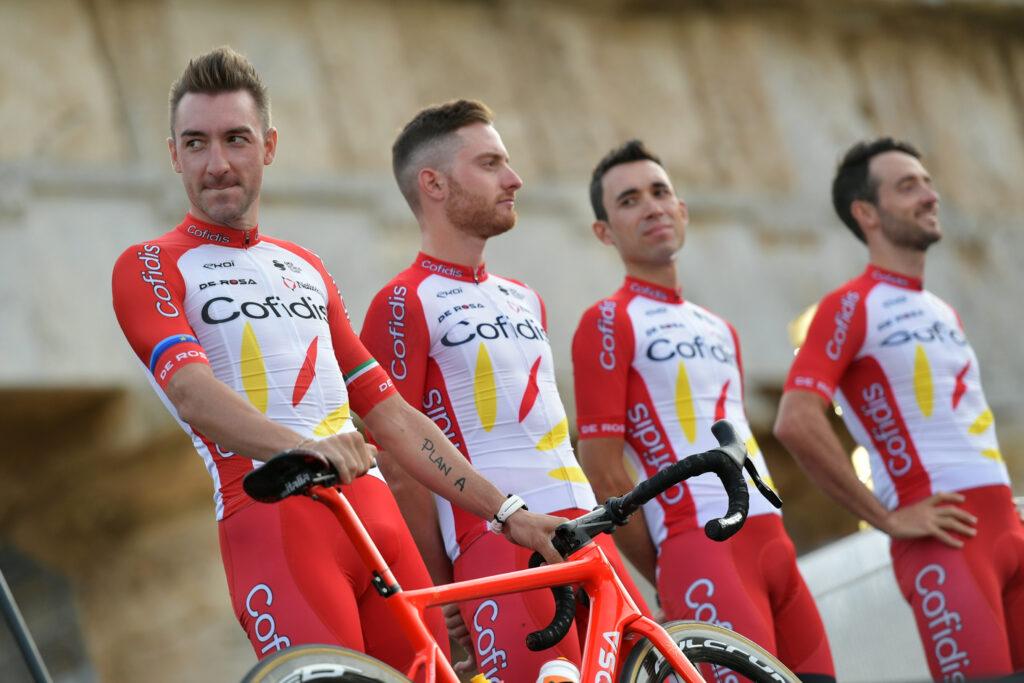 Giro d'Italia 2020 cyklámenový dres Viviani