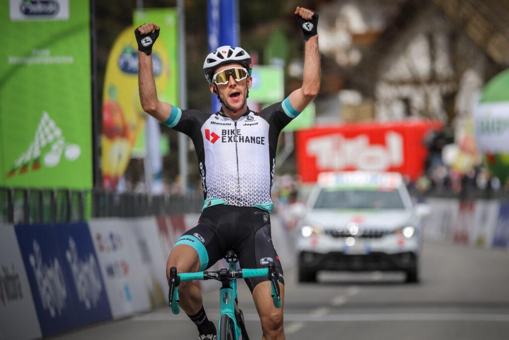 Giro d'Italia 2021 favoriti Simon Yates