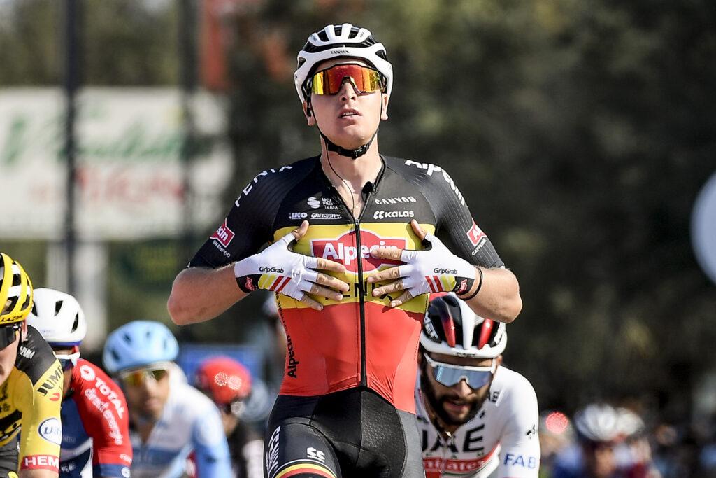 Giro d'Italia 2021 cyklámenový dres Tim Merlier