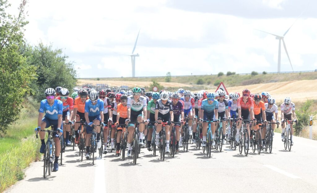 pelotón Vuelta a Burgos 2021
