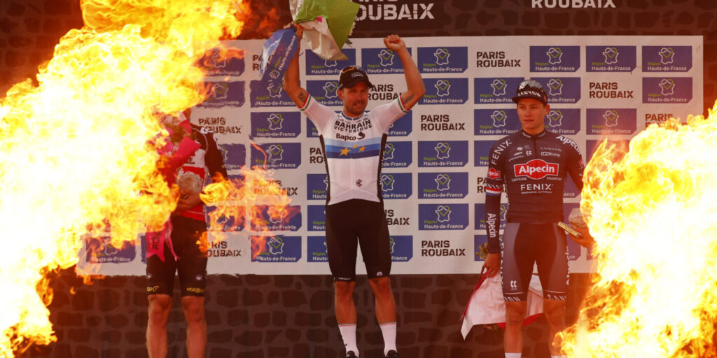Pódium Paríž - Roubaix 2021